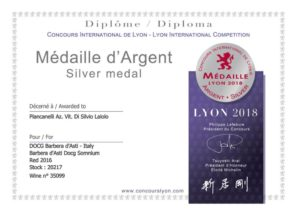 Silver-medal-Lyon-International-Competition-2018-Barbera-d-Asti-DOCG-Somnium-Piancanelli-2016-italian-premium-winery